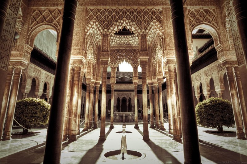 Alhambra-court-of-lions-SkareMedia