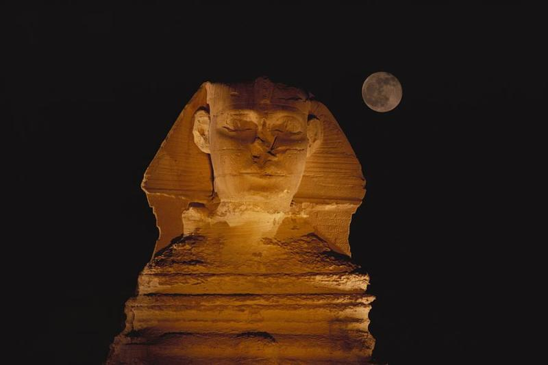 1-a-view-of-the-great-sphinx-at-night-bill-ellzey