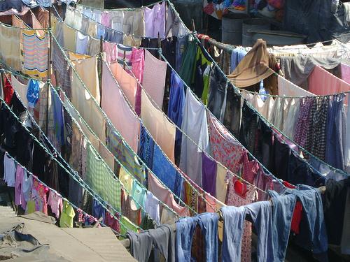 clothes-hanged-for-drying-after-washing-manually-at-dhobi-ghat-mumbai