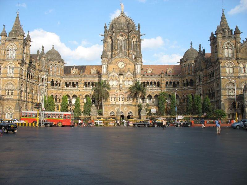 Mumbai_Train_Station
