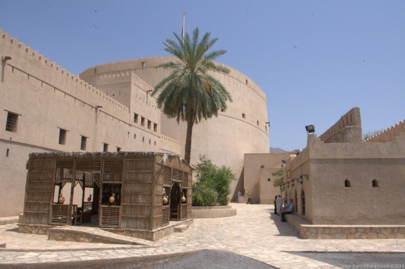 Nizwa-Fort-castle-in-Nizwa-Oman