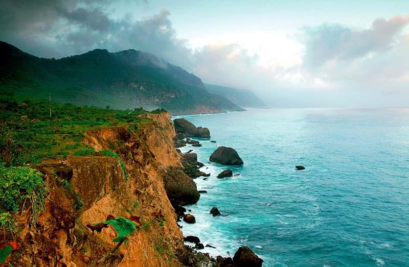 Salalah___Monsoon___Mountaing_Cliff